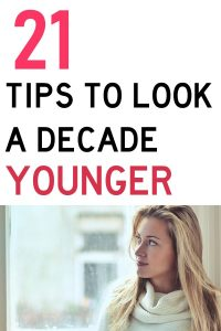If you are like me, then you could be a lot better about doing things DAILY to help your skin stay young. In fact, doing these things every day can literally take years off. These 21 anti-aging habits can keep you and your skin looking youthful for years to come. #SkinCare #SelfCare #AntiAging